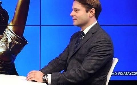 """mec. P. Przeździecki w """"Parkiet TV"""" o piramidach finansowych"""