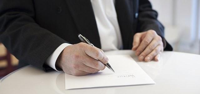 """Sąd nakazuje osobom związanym z """"HFT Brokers Dom Maklerski"""" S.A. wykonanie """"Opcji o Europejskim Stylu Wykonania"""""""